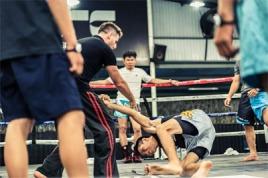 Học Krav Maga ở TpHCM - HLV Stephen Davidson - Saigon Sports Club
