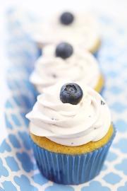 Cupcake vanilla việt quất