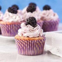 Cupcake vị dâu đen kết hợp chanh tây